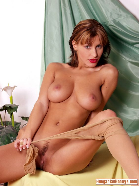 sexy naked hungarian women