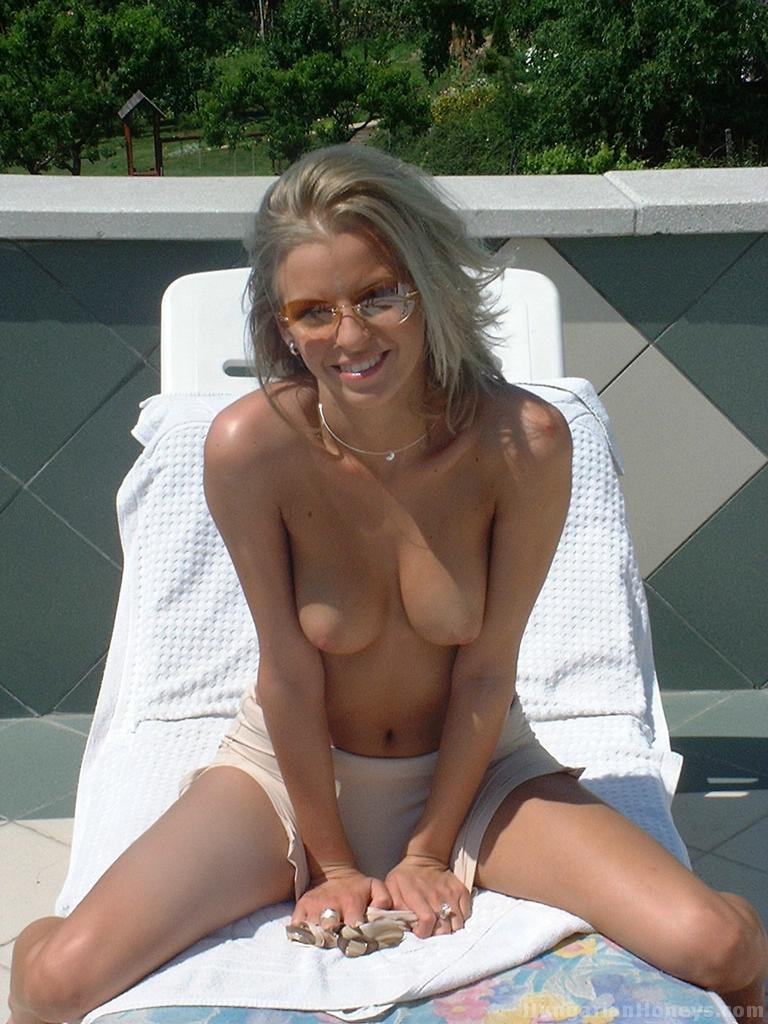 sister nude sun bathing