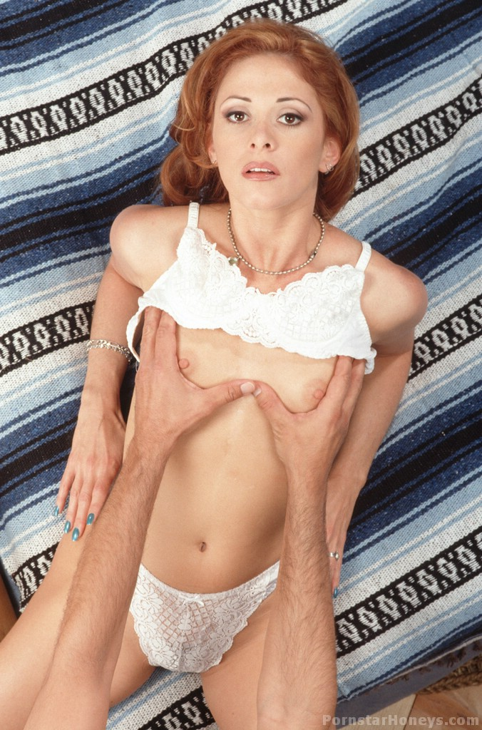 Chloe nicole pornstar naked alone!