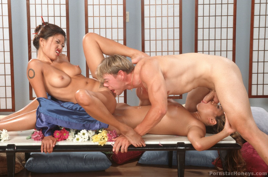 Hot, cleaned Lee miko threesome